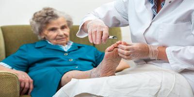 Torrance Podiatrist Thick Toenails Patient